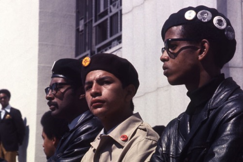 Black Panthers and Brown Beret in Oakland. - Via Tumbler