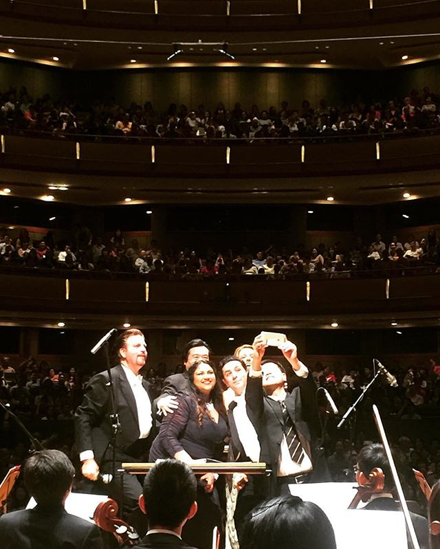 Selfie time before a Symphony! #ommb9