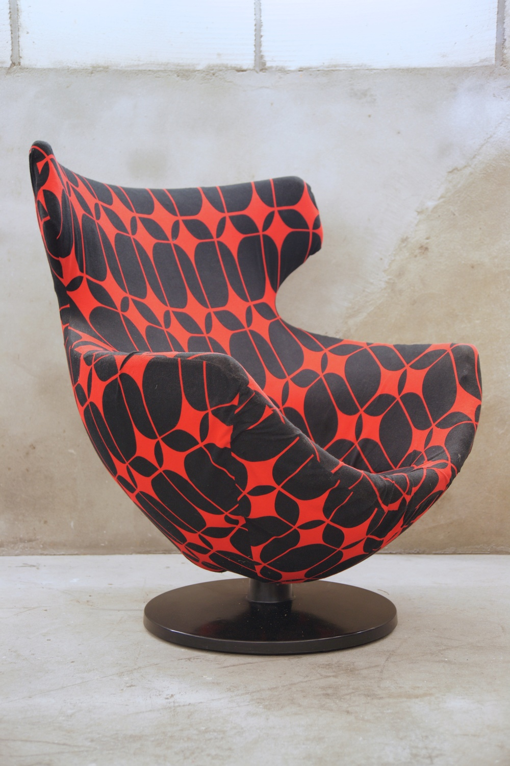 Egg chair, red/black, 1 stuk