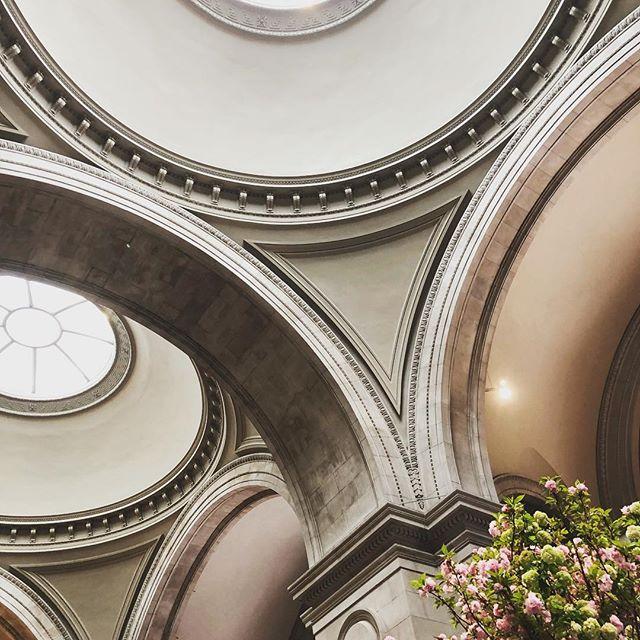 Weekend in NYC #lookup #interiordesign #metropolitanmuseumofart