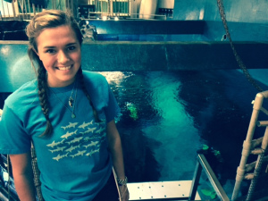 Alexandra-DiGiacomo-Norwalk Aquarium-Intern-and-diver