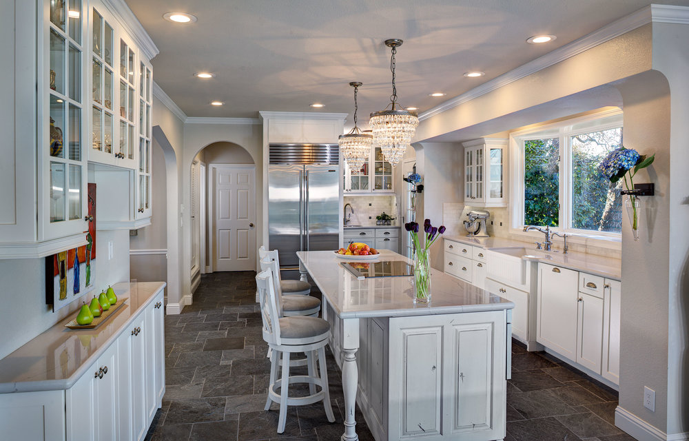 LARGE KITCHENS - 1st Place Katherine Russell/Leah Pugh Dreambuilders Home Remodeling, Inc.