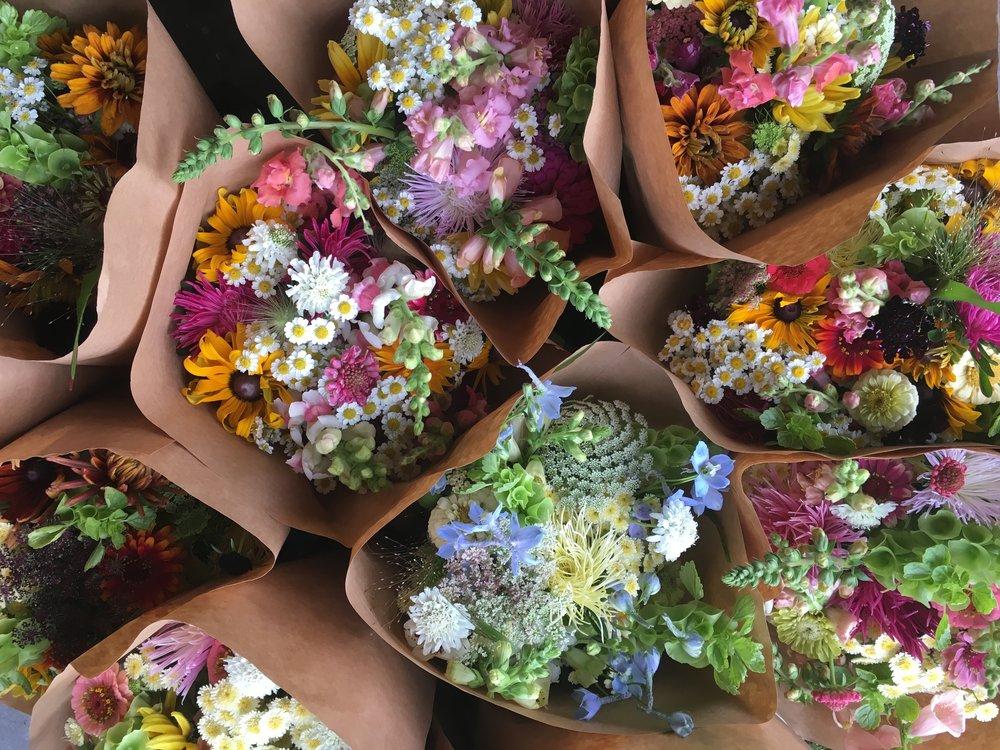 Summer flower CSA bouquet from Tanglebloom