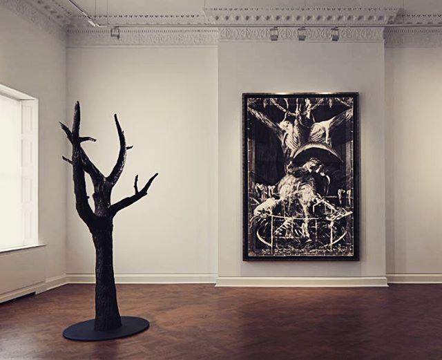 Robert Longo @thaddaeusropac haunting images.. #robertlongo #thaddeusropac #mayfairgallery #drawing #curation #friezeweek2017