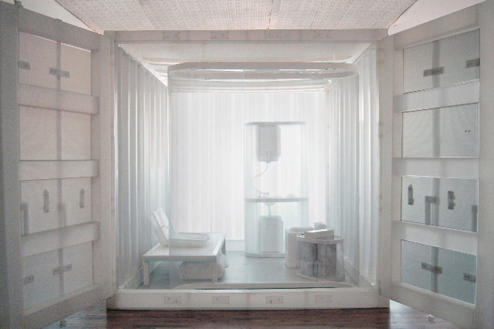 Image: Konstantinos Stamatiou, AIRBOX,polypropylene, Plexi, white cardboard, white styrofoam & foamcore, clear vinyl, paper, 2006 / ©Konstantinos Stamatiou
