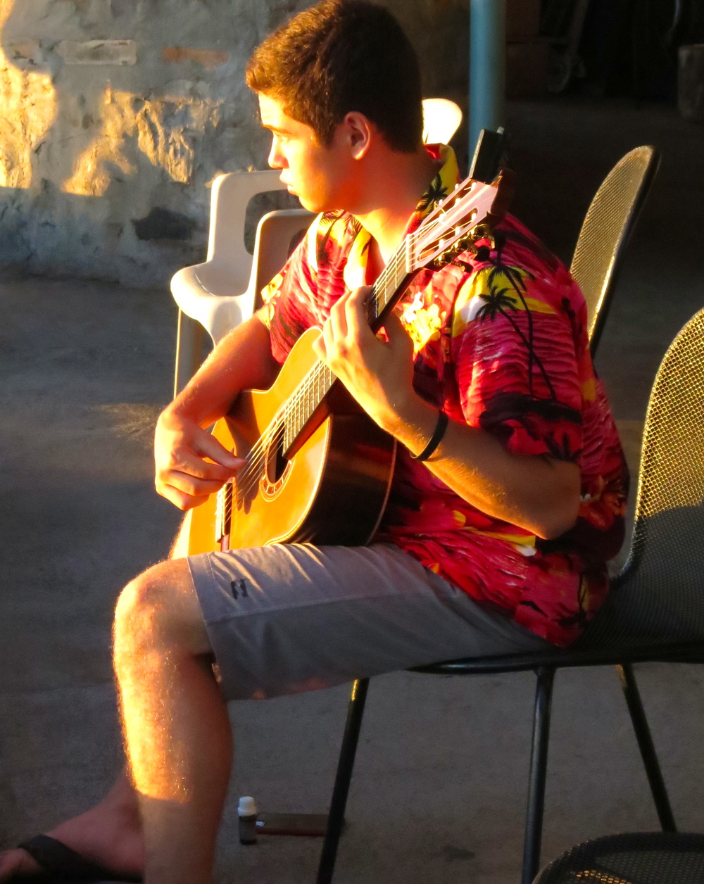 Ben Werdegar warming up at the Lahaina Jodo Mission (2014)