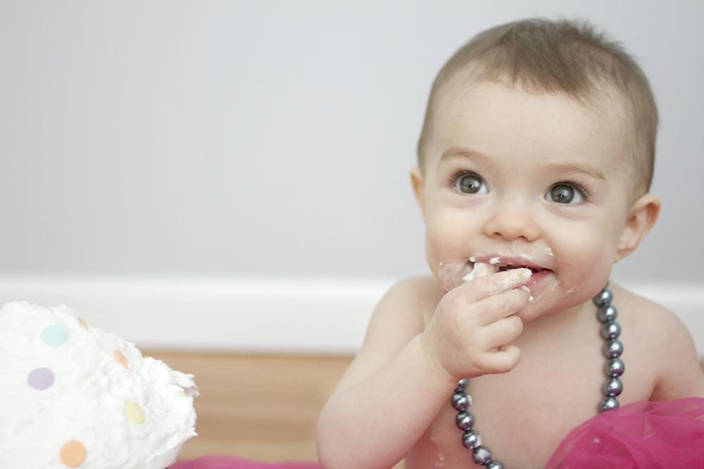first-birthday-baby-cake-smash-photos_0008.jpg