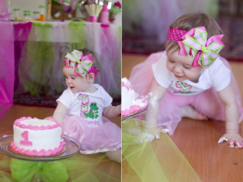 First-Birthday-Cake-Smash-003.jpg