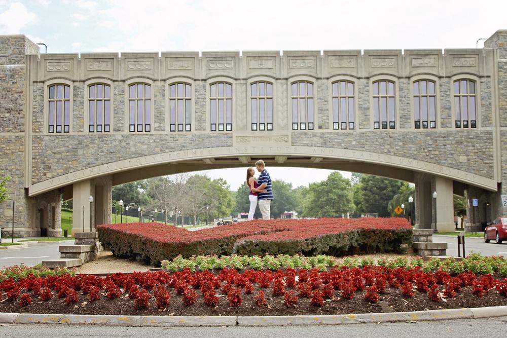Virginia-Tech-Engagement-Photos-Blacksburg-_0010.jpg