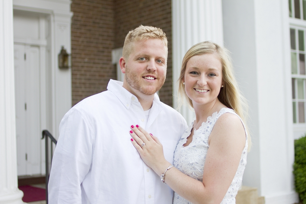 Roanoke-College-Engagement-Photos-_0013.jpg