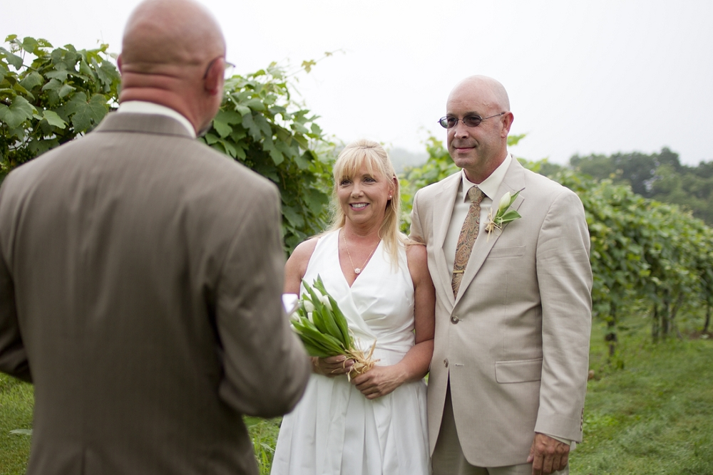 Chateau-Morrisette-Intimate-Vineyard-Wedding-Photos-_0001.jpg