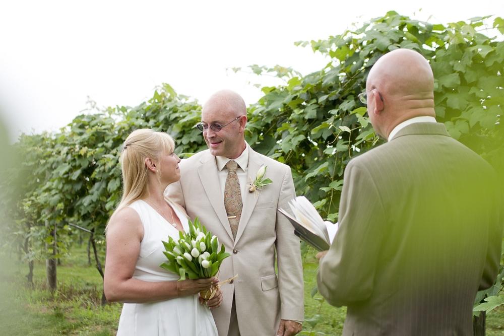 Chateau-Morrisette-Intimate-Vineyard-Wedding-Photos-_0003.jpg