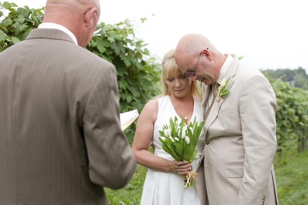 Chateau-Morrisette-Intimate-Vineyard-Wedding-Photos-_0008.jpg