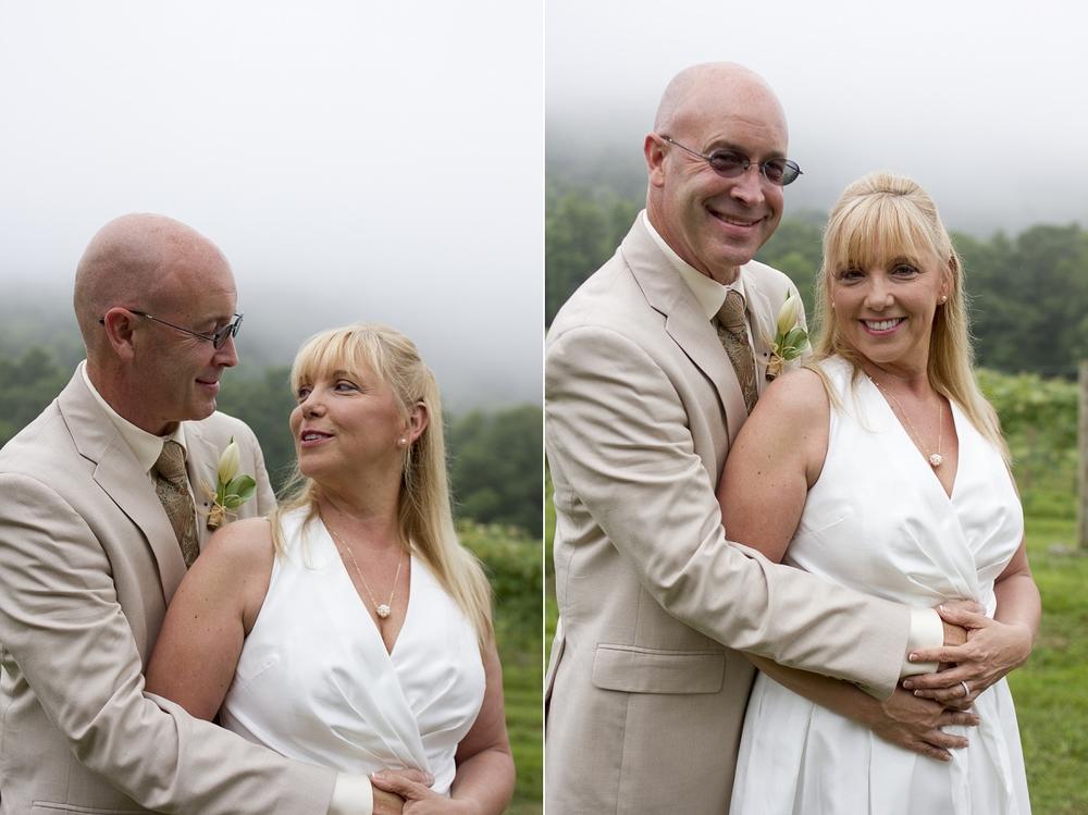 Chateau-Morrisette-Intimate-Vineyard-Wedding-Photos-_0016.jpg