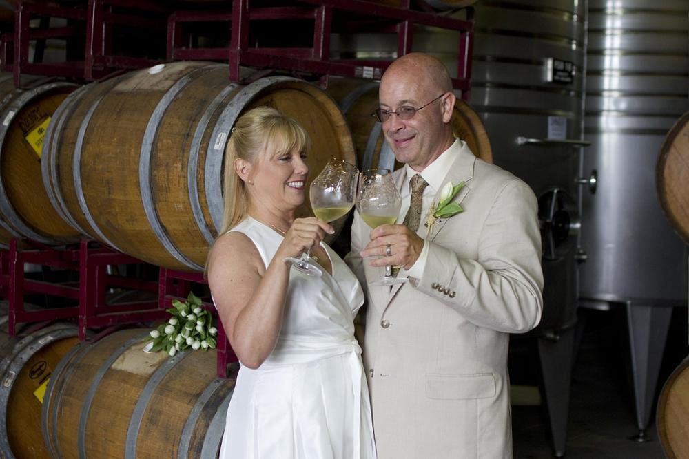 Chateau-Morrisette-Intimate-Vineyard-Wedding-Photos-_0019.jpg