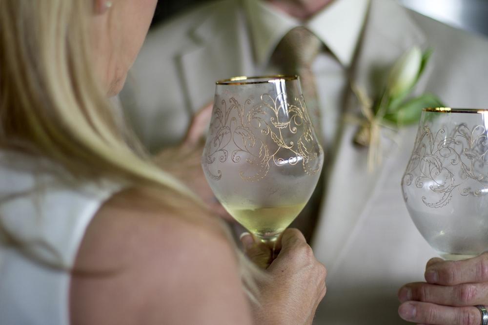 Chateau-Morrisette-Intimate-Vineyard-Wedding-Photos-_0020.jpg