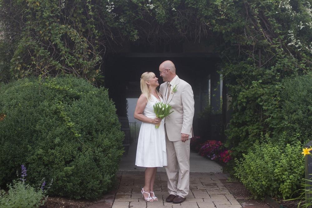 Chateau-Morrisette-Intimate-Vineyard-Wedding-Photos-_0022.jpg