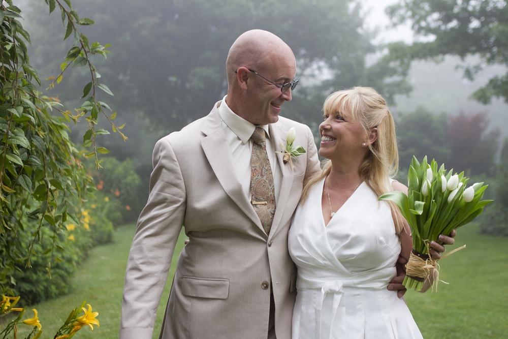 Chateau-Morrisette-Intimate-Vineyard-Wedding-Photos-_0024.jpg