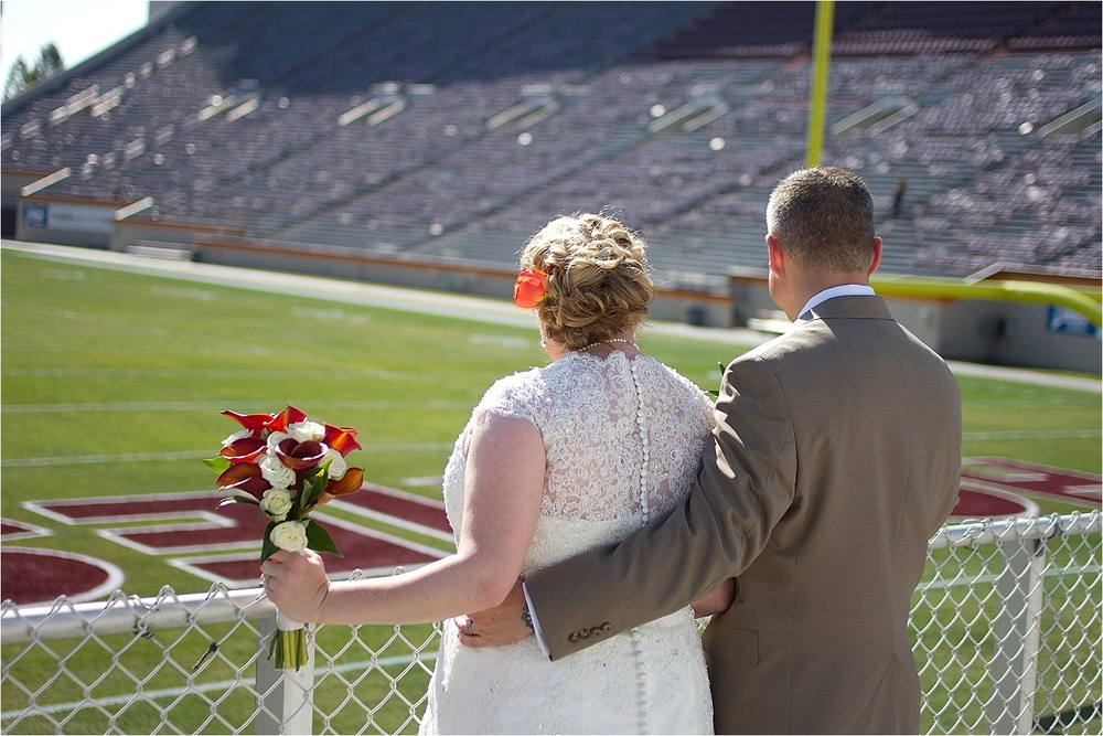 Virginia-Tech-Duck-Pond-Wedding-Photos-_0021.jpg