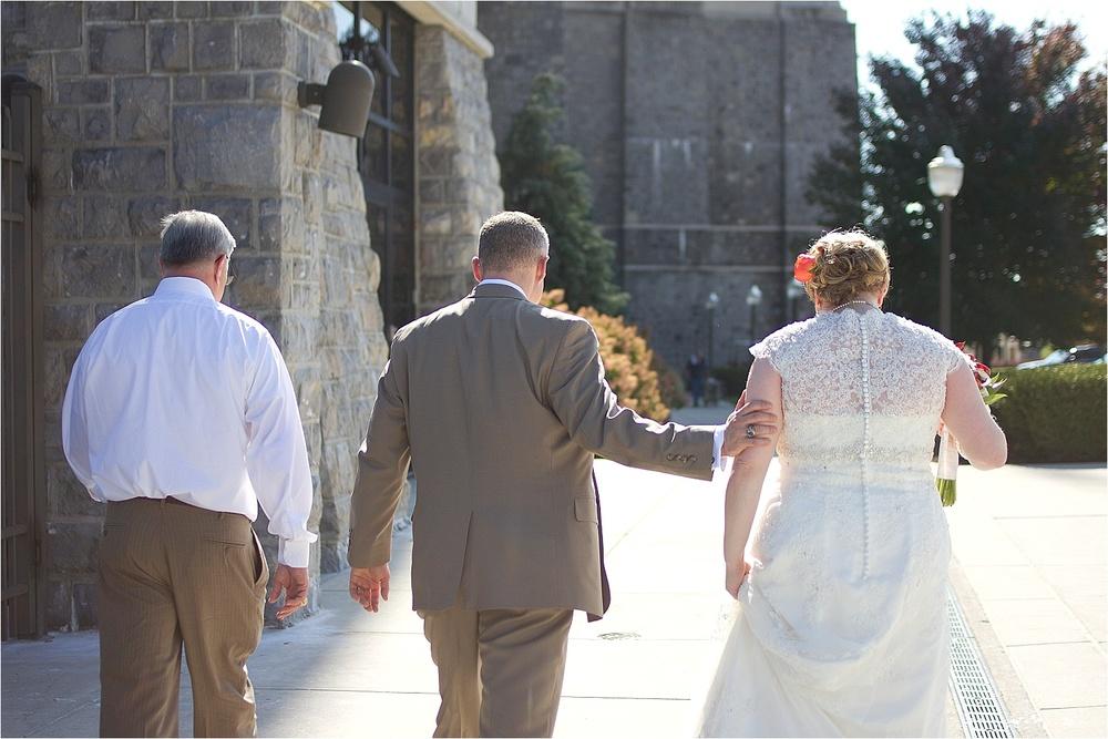 Virginia-Tech-Duck-Pond-Wedding-Photos-_0022.jpg