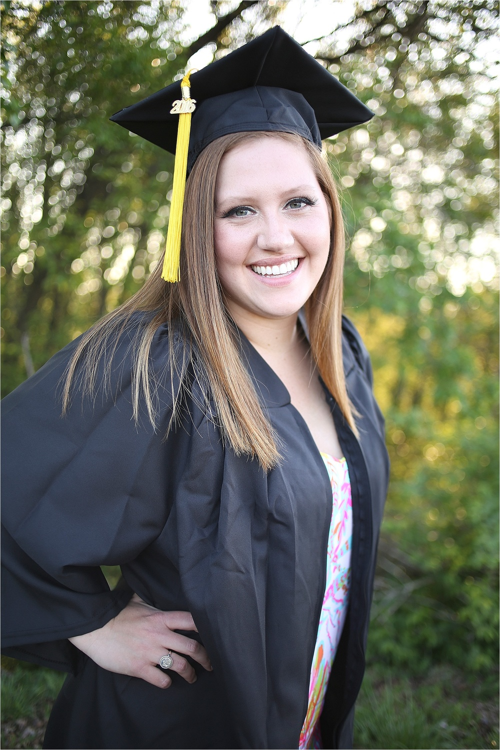 Blacksburg-Senior-Portrait-Photographer-Nursing-School-Graduation-Photos-_0016.jpg