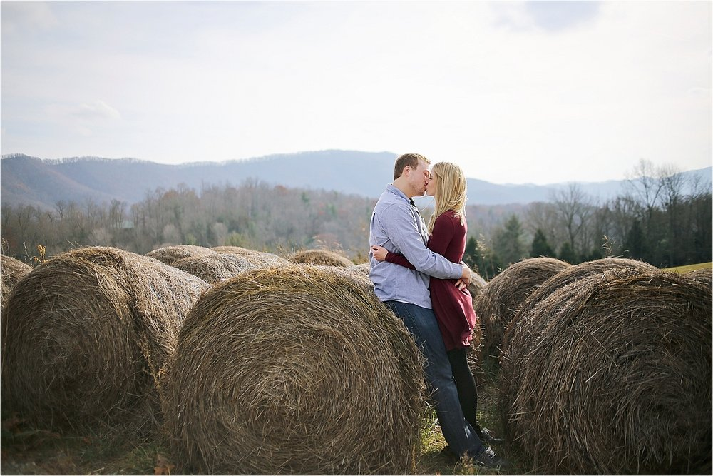 Beliveau-Estate-Blacksburg-Engagement-Photos_0015.jpg