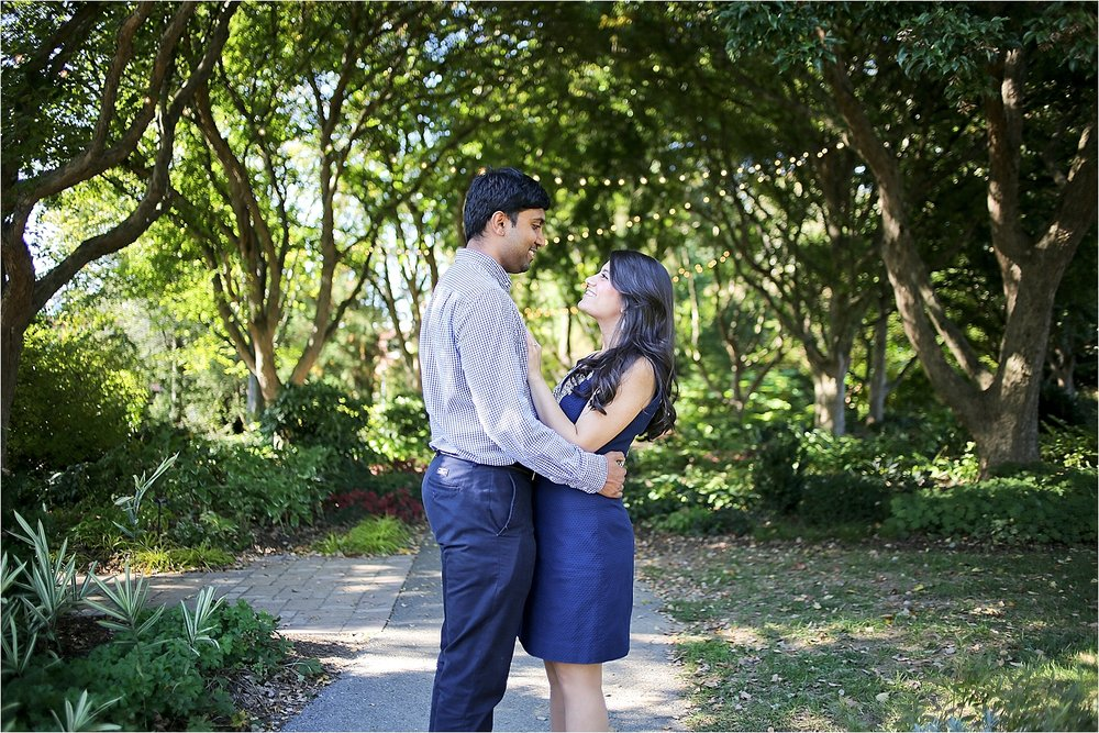 Blacksburg-Virginia-Engagement-Photographer-Hahn-Horticulture-Garden-Virginia-Tech_0011.jpg