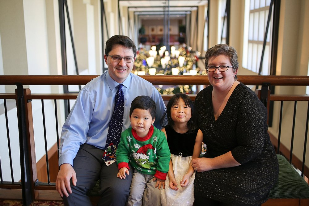 Holiday Christmas Photos at the Inn at Virginia Tech | Blacksburg, Virginia Family Portrait Photographer