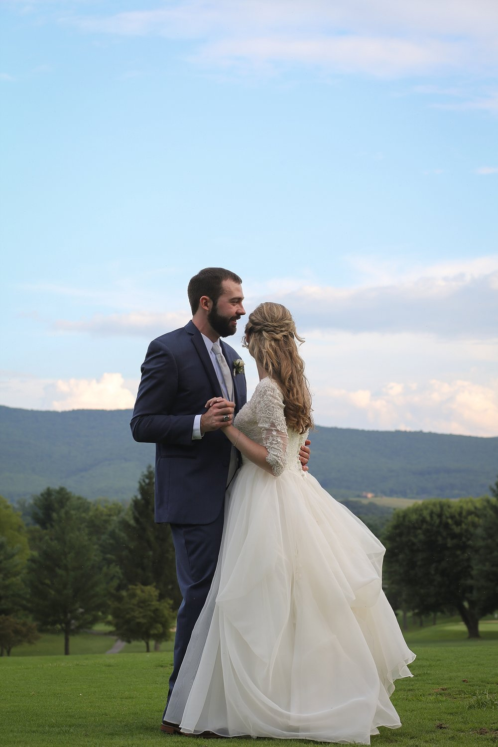 Wytheville Golf Club Wedding Photography | Southwest Virginia Wedding Photographer, Holly Cromer