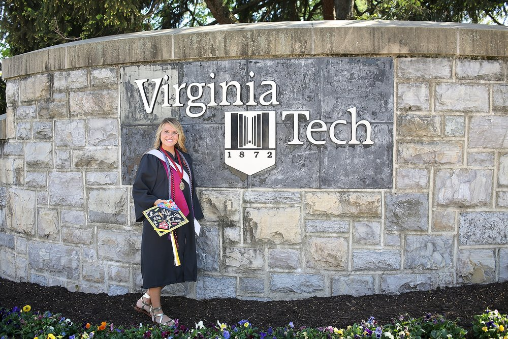Wellsley | Virginia Tech Graduation Portrait Photographer, Holly Cromer