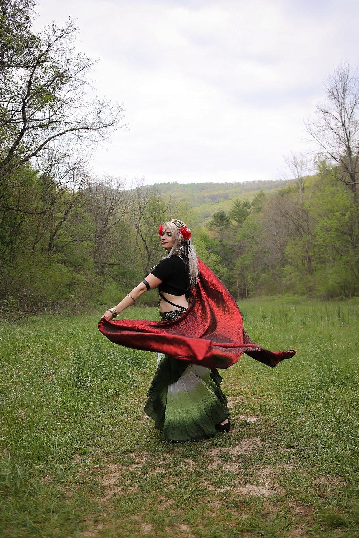 Belly-Dancing-Photos-Outdoors-Blacksburg-Creative-Portrait-Photographer_0001.jpg