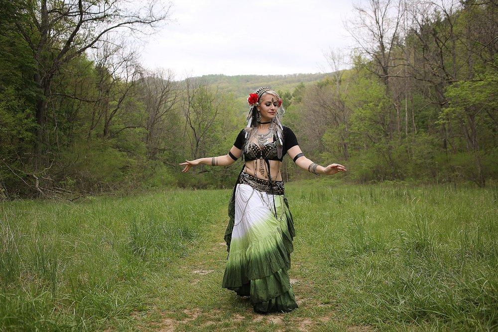 Belly-Dancing-Photos-Outdoors-Blacksburg-Creative-Portrait-Photographer_0005.jpg