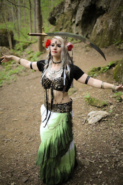 Belly-Dancing-Photos-Outdoors-Blacksburg-Creative-Portrait-Photographer_0011.jpg