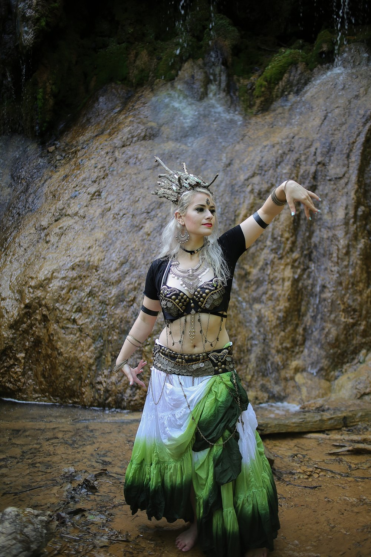 Belly-Dancing-Photos-Outdoors-Blacksburg-Creative-Portrait-Photographer_0036.jpg