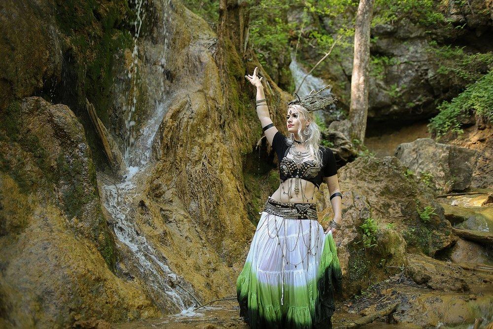 Belly-Dancing-Photos-Outdoors-Blacksburg-Creative-Portrait-Photographer_0045.jpg