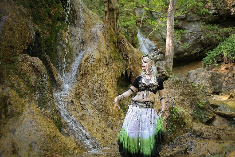 Belly-Dancing-Photos-Outdoors-Blacksburg-Creative-Portrait-Photographer_0046.jpg