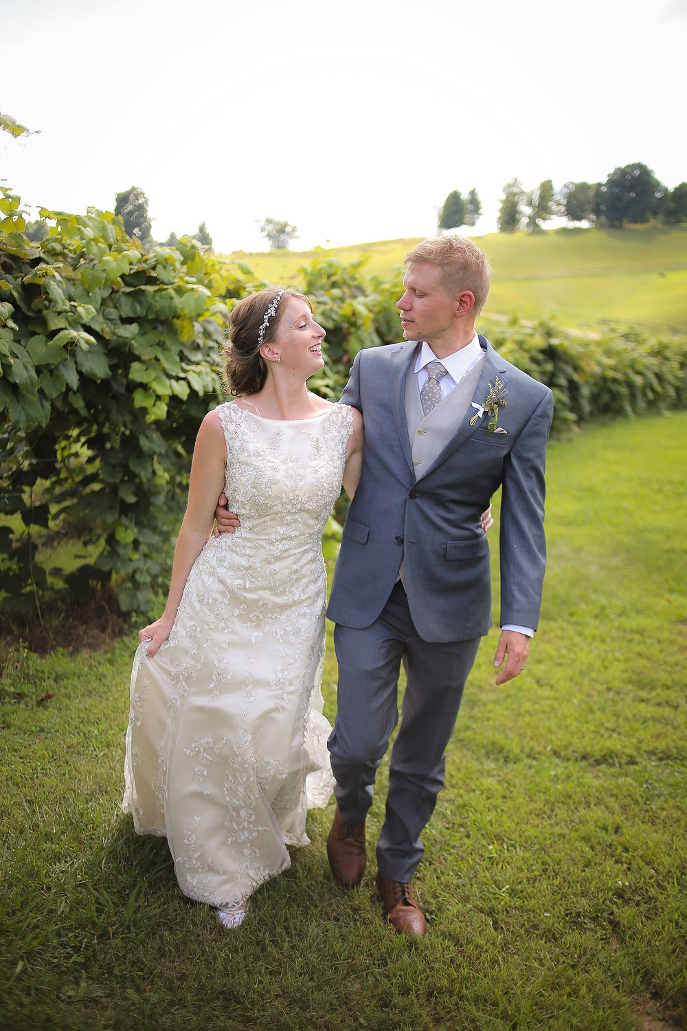 Beliveau-Estate-Winery-Wedding-Photos-Blacksburg-Wedding-Photographers_0074.jpg