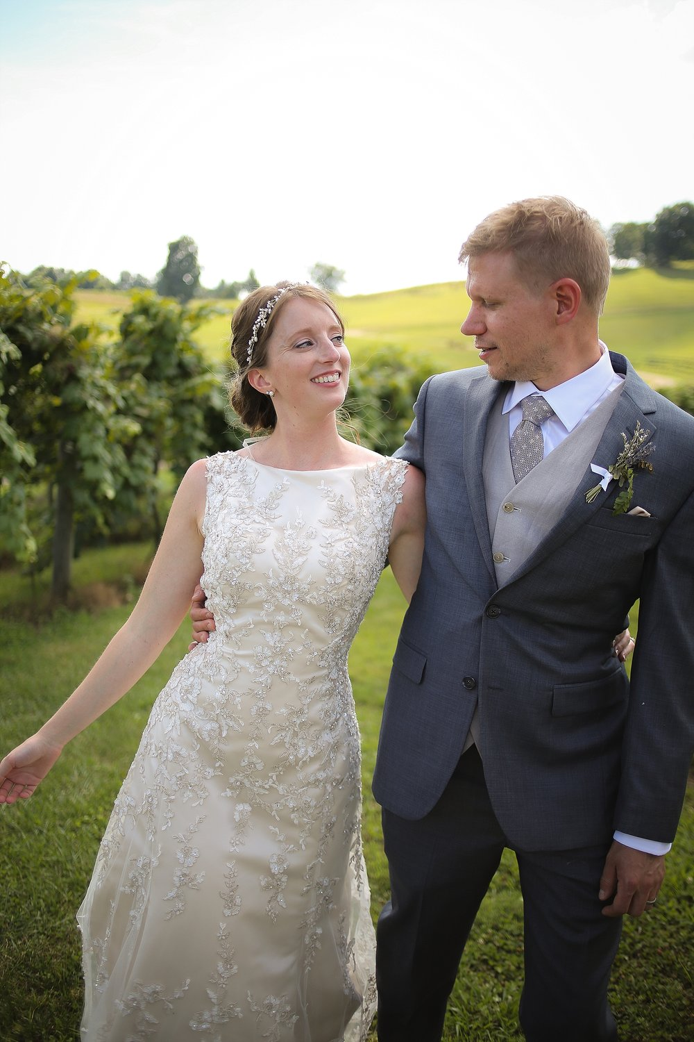 Beliveau-Estate-Winery-Wedding-Photos-Blacksburg-Wedding-Photographers_0076.jpg