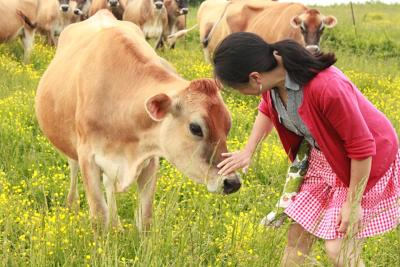 Farm girl Mika