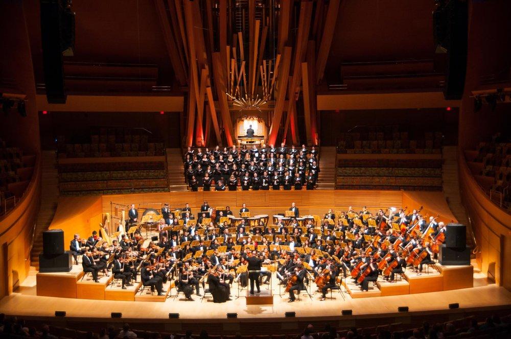 Thomas Loewenheim leads the FOOSA Philharmonic in Mahler's Symphony No. 2 Resurrection. Walt Disney Concert Hall, Los Angeles, June 2016.