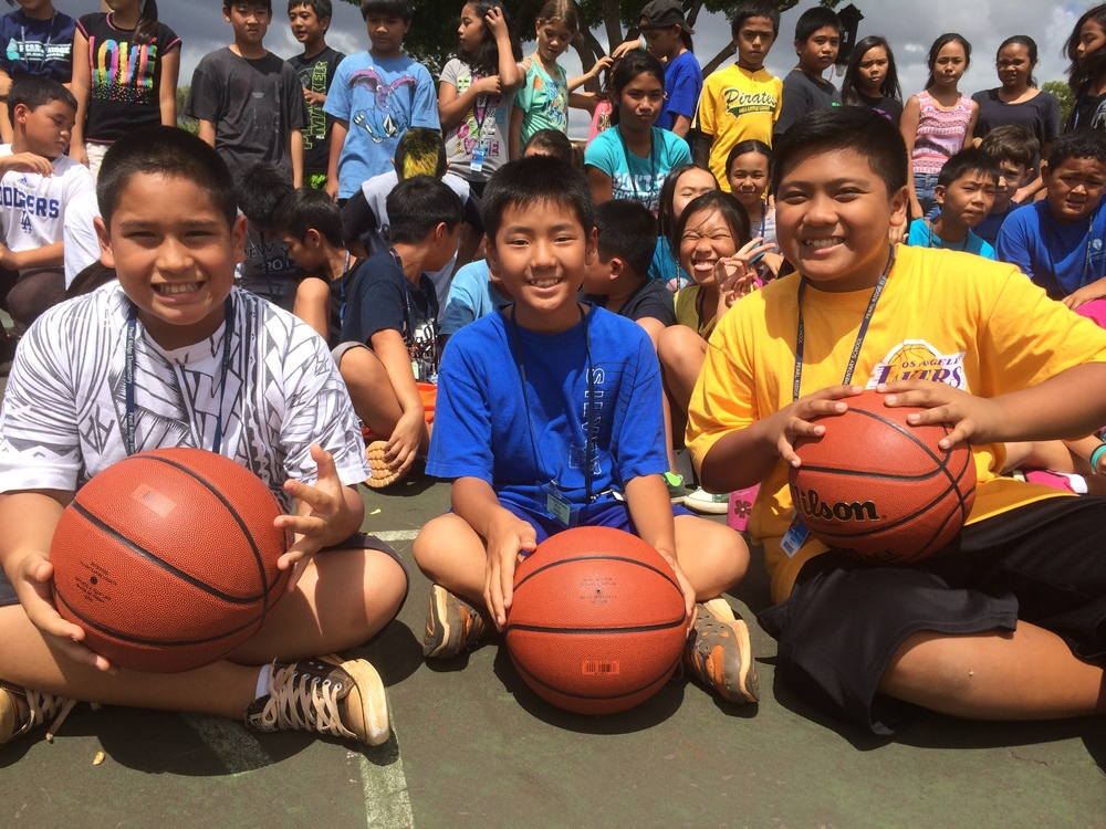 Basketballs to Pearl Ridge Elementary 2014 24.jpg