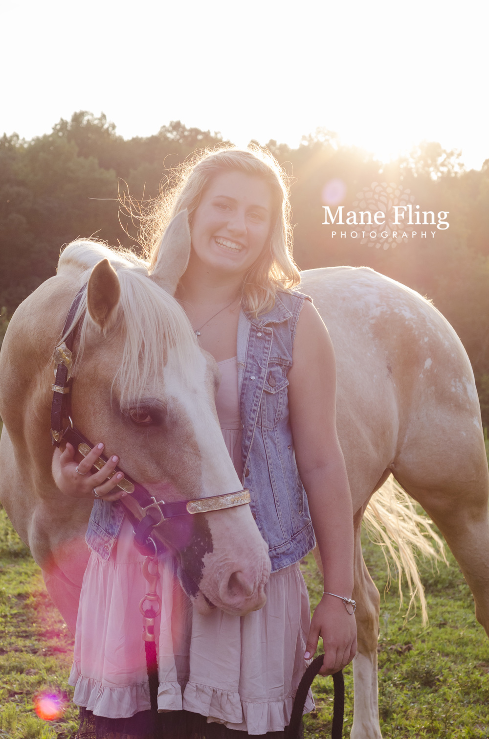 girl-and-horse-senior-portrait