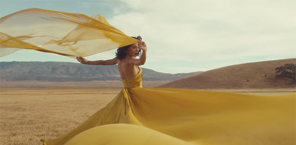taylor-swift-yellow-dress