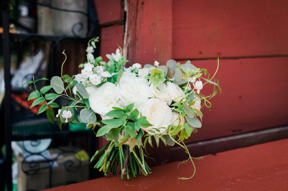 white-neutral-bouquet-design-georgia
