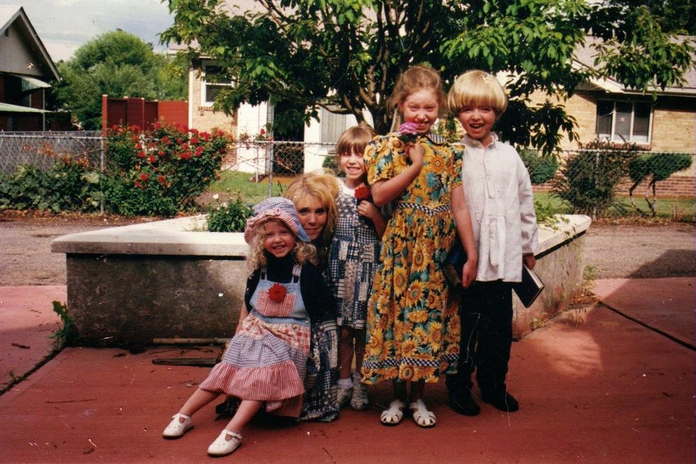 nona,+mommy,+mia,+libby,+shiloh+1998ish.jpg
