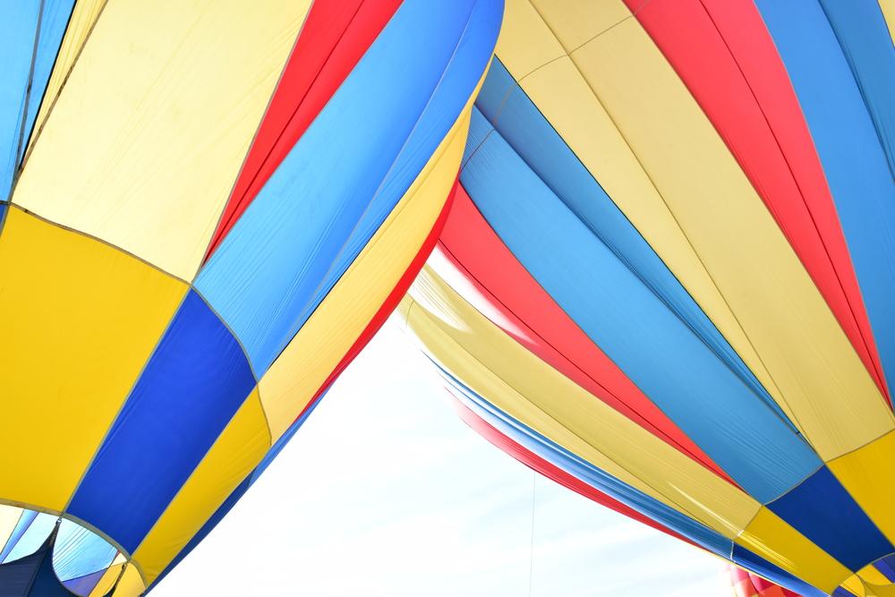 hot air balloon the twins