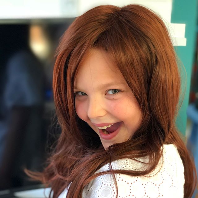 I always wished one of my kids had dark chestnut hair, like me. Thanks to @charitytd, I got to live the dream today (and then some 😂). #wigsandwigsandwigs