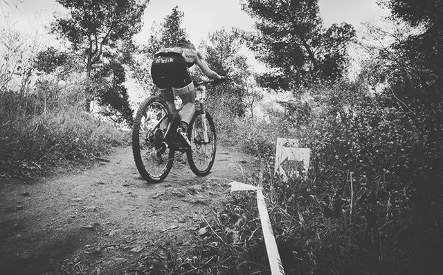 The #climb is never easy. #womenmtb #womenthatride #kendacup