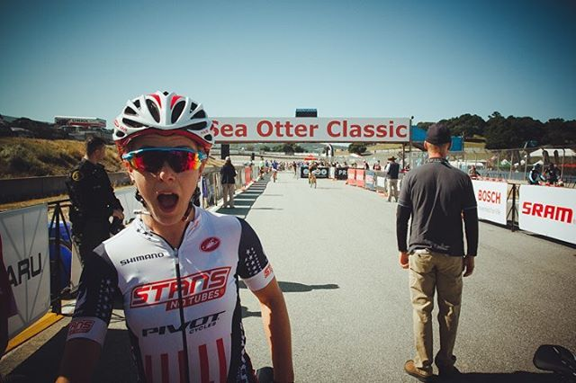 #ohhi! it's @chloewoodruff at the @seaotterclassic ! She's races live on #redbulltv in the first @uci_cycling xc event of the season. #worldcup #xc