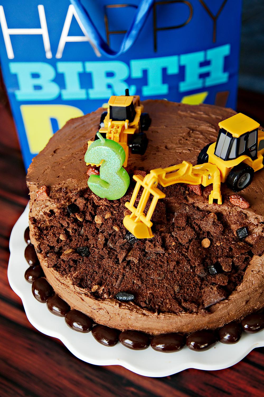4. Construction Cake